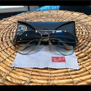 MINT NWOT Dark Blue Lens Gold Rim Ray Bans
